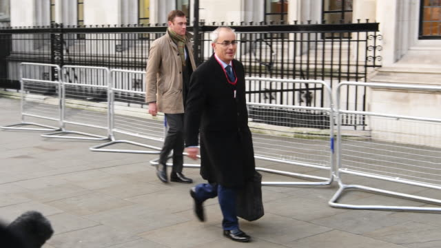 lord pannick qc arrives at the supreme court for the second day of a hearing into whether parliament's consent is required before the brexit process... - 2日目点の映像素材/bロール