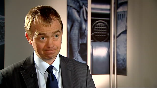 tim farron interview england london int tim farron interview sot - クリス・レナード点の映像素材/bロール