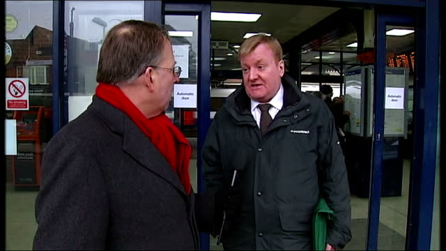 nick clegg response location unknown former liberal democrat leader charles kennedy outside train station as interviewed by itn reporter michael... - クリス・レナード点の映像素材/bロール