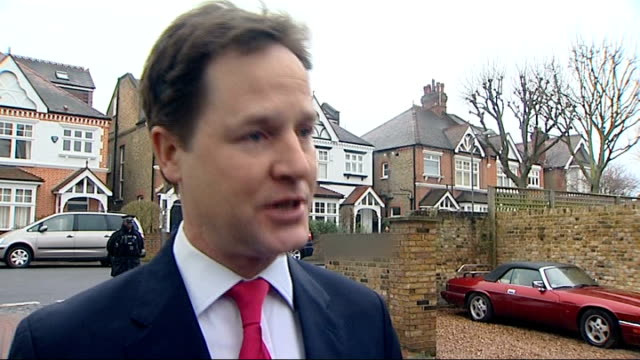 nick clegg response putney nick clegg mp through home gate and towards press / interview sot look i understand that there are many people who appear... - クリス・レナード点の映像素材/bロール