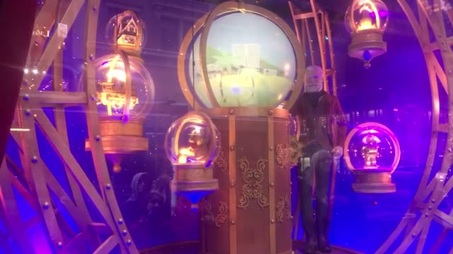lord & taylor annual holiday windows display in new york city, seen just weeks after the building was purchased by wework and the lower floors... - ティンセル点の映像素材/bロール