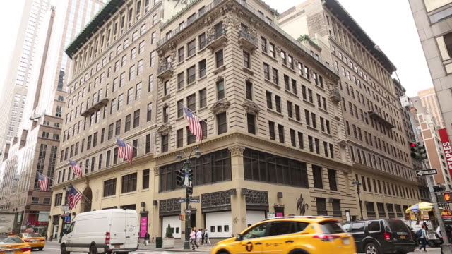 lord taylor iconic flagship store on manhattan's upscale 5th avenue in new york city new york us on wednesday june 6 2018 - yellow taxi stock videos & royalty-free footage