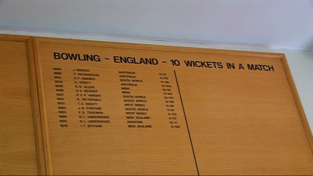lords cricket ground; int names of teams and players on boards on walls of pavilion/ unidentified portrait on wall/ 'ground superintendent's office'... - パビリオン点の映像素材/bロール