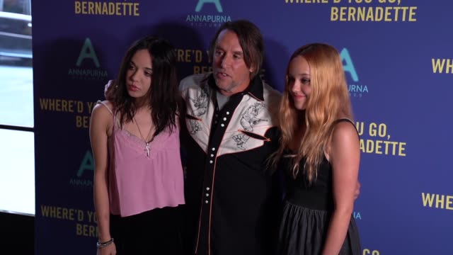 stockvideo's en b-roll-footage met lorelei linklater richard linklater and charlotte linklater at where'd you go bernadette special screening at the metrograph on august 12 2019 in new... - richard linklater