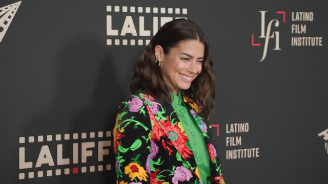 """lorenza izzo at the laliff closing night """"women is losers,"""" red carpet capture produced by cindy maram, dig in magazine/in close entertainment at tcl... - tcl chinese theatre stock videos & royalty-free footage"""