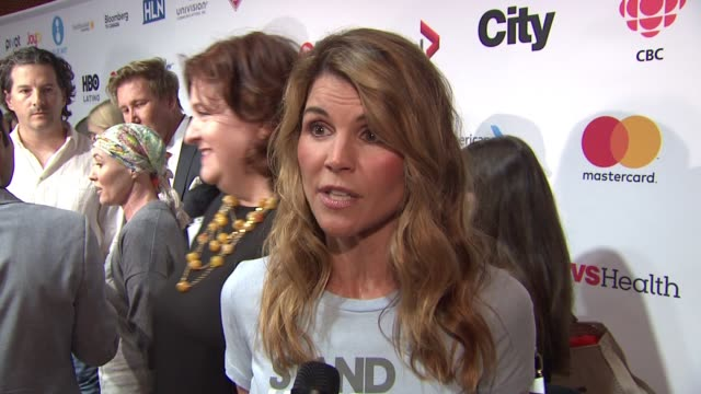 interview lori loughlin at stand up to cancer 2016 at walt disney concert hall on september 09 2016 in los angeles california - lori loughlin stock videos & royalty-free footage