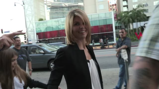 Lori Loughlin greets fans at Chicago Opening Night in Hollywood 05/16/12