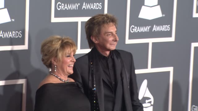 lorna luft , barry manilow at the 53rd grammy awards - arrivals part 2 at los angeles ca. - バリー・マニロウ点の映像素材/bロール