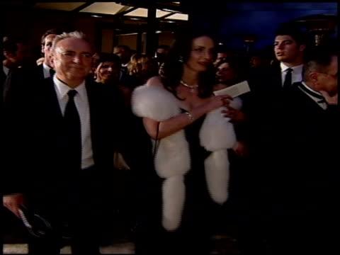 stockvideo's en b-roll-footage met lorne michaels at the 2004 academy awards ballroom at the kodak theatre in hollywood, california on february 29, 2004. - 76e jaarlijkse academy awards