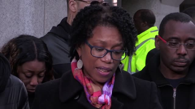 Lorraine Jones the sister of Angela Best speak to the media outside the Old Bailey London after the serial killer Theodore Johnson was jailed for a...