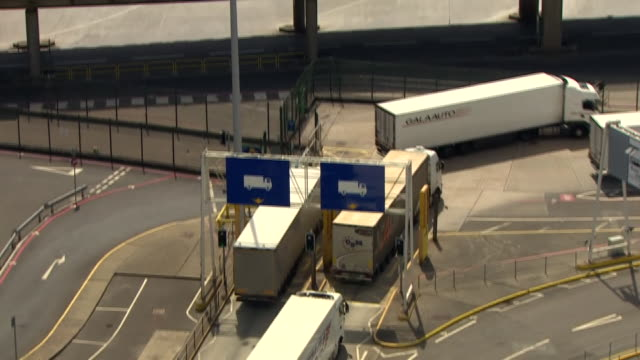lorries going through customs checks at dover - examining stock videos & royalty-free footage