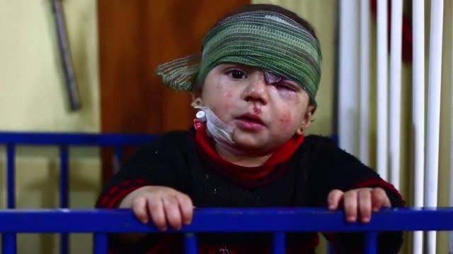 los actores del conflicto sirio aguardaban con expectativa la entrada en vigor del acuerdo de tregua impulsado por estados unidos y rusia a partir de... - entrada stock videos and b-roll footage