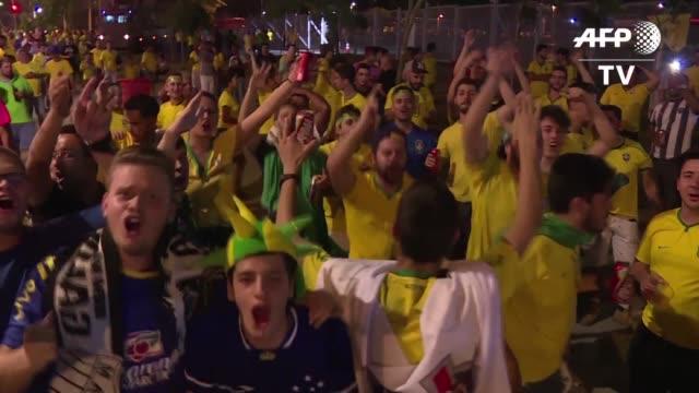 los aficionados llegaban el jueves al estado mineirao de belo horizonte al sureste de brasil para presenciar el partido entre la verdeamerela y... - horizonte stock videos & royalty-free footage