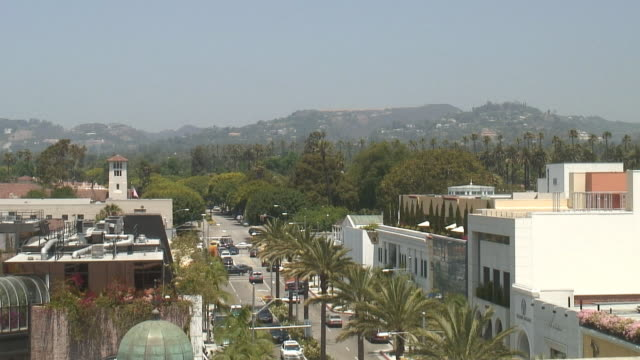 (hd1080i) los angeles: beverly hills rodeo drive, looking east - establishing shot stock videos & royalty-free footage