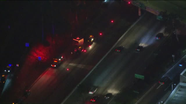 ktla – los angeles ca us aerial view of heavy traffic on 101 freeway due to body discovered around 9 pm near santa monica boulevard exit on los... - santa monica blvd stock videos & royalty-free footage