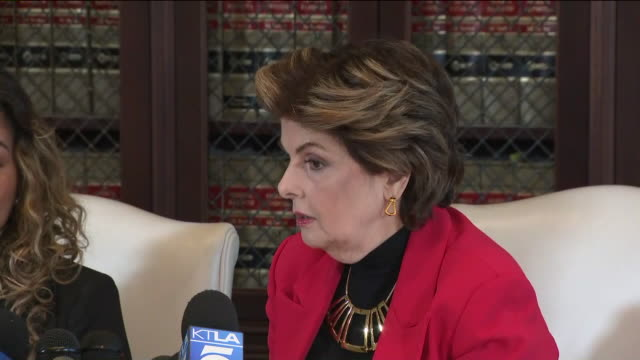 los angeles, ca, u.s. - attorney gloria allred press conference with her client, lizette martinez, alleged victim of r. kelly sexual abuse case, in... - r. kelly stock videos & royalty-free footage