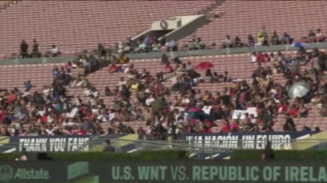 los angeles, ca, u.s. - audience watching u.s. women's national soccer team training, on saturday, august 3, 2019. - national team stock videos & royalty-free footage