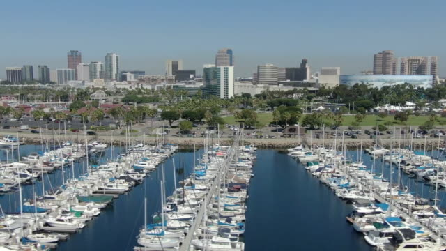 ktla los angeles ca us boats in shoreline village long beach on friday sep 6 2019 - beverly hills stock-videos und b-roll-filmmaterial