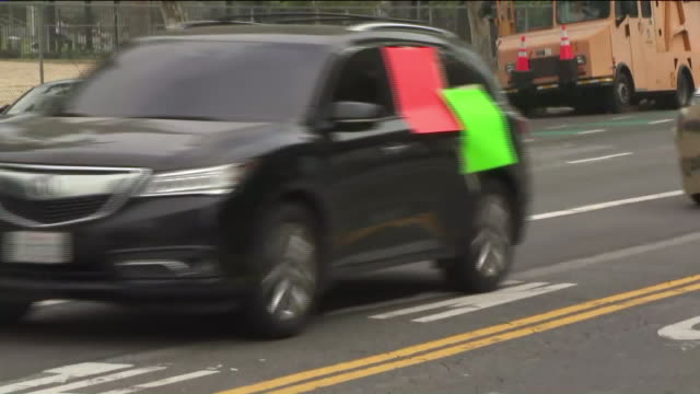 ktla los angeles ca us cars taking part in cancel rent rally in downtown los angeles on thursday apr 30 2020 members of the la tenant union gathered... - hypotheken kündigung stock-videos und b-roll-filmmaterial