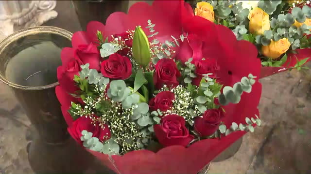 ktla los angeles ca us interior of flower shop at flower district during valentine's day on friday february 14 2020 - flower shop stock videos & royalty-free footage