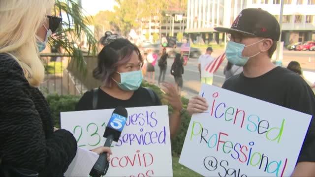 vidéos et rushes de los angeles, ca, u.s. - interview with people protesting against beauty salons closing on monday, august 10, 2020. - équipement audiovisuel