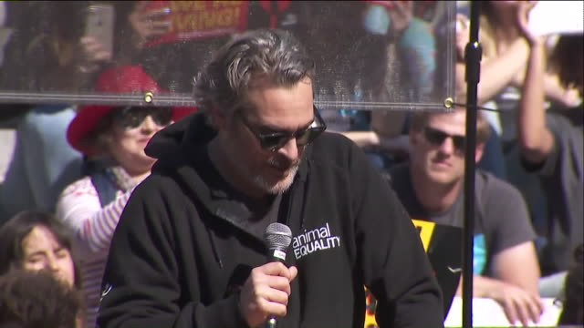 los angeles, ca, u.s. - joaquin phoenix introducing activist nalleli cobo for climate change rally in los angeles, on friday, february 7, 2020. - campaigner stock videos & royalty-free footage