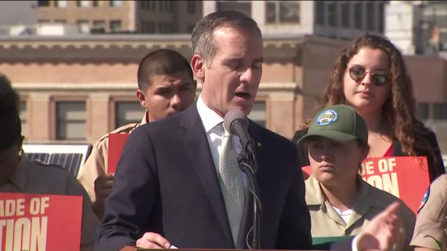 ktla los angeles ca us mayor eric garcetti signs executive directive to advance la's green new deal to fight climate crisis on monday feb 10 2020 - mayor stock videos & royalty-free footage
