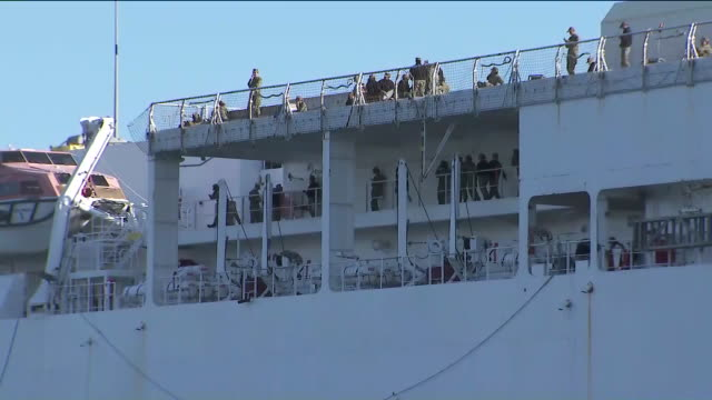 los angeles, ca, u.s. - navy hospital ship usns mercy begins taking patients in port of los angeles, on sunday, march 29, 2020. - port of los angeles stock videos & royalty-free footage