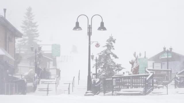 los angeles, ca, u.s. - people taking walks at big bear mountain resort, slow motion on saturday, november 7, 2020. - ski resort stock videos & royalty-free footage
