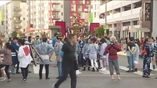 ktla los angeles ca us the nisei week grand parade during nisei week in los angeles on saturday august 10 2019 - japanese ethnicity stock videos & royalty-free footage