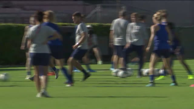 los angeles, ca, u.s. - u.s. women's national soccer team training on pitch, on saturday, august 3, 2019. - national team stock videos & royalty-free footage