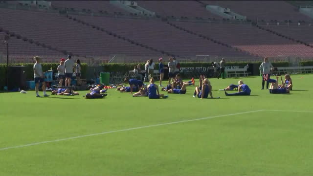 ktla los angeles ca us us women's national soccer team training on pitch on saturday august 3 2019 - women's football stock videos & royalty-free footage