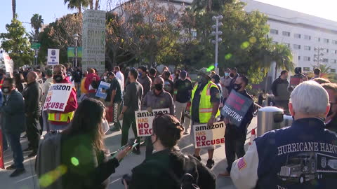los angeles, ca, u.s. - workers with banners and posters set to rally in support of unionizing alabama amazon workers, protesting union-busting, on... - labor union stock videos & royalty-free footage