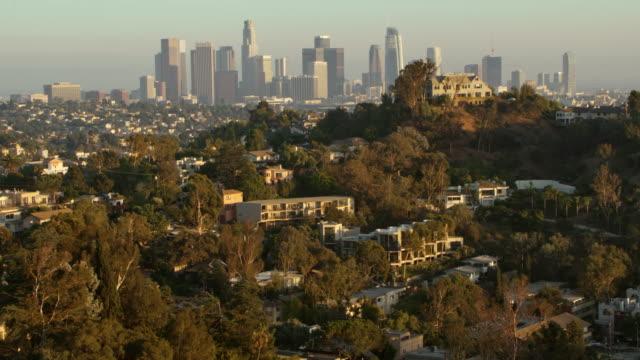 luft los angeles, kalifornien - los angeles county stock-videos und b-roll-filmmaterial