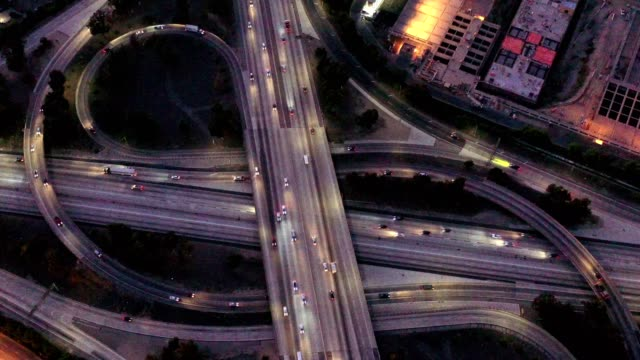 los angeles county traffic - oben stock-videos und b-roll-filmmaterial