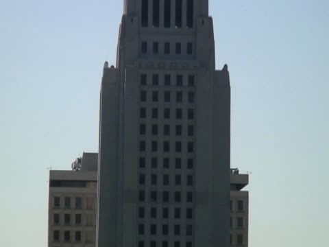 Los Angeles: Downtown City Hall / Civic Center, Pull Out