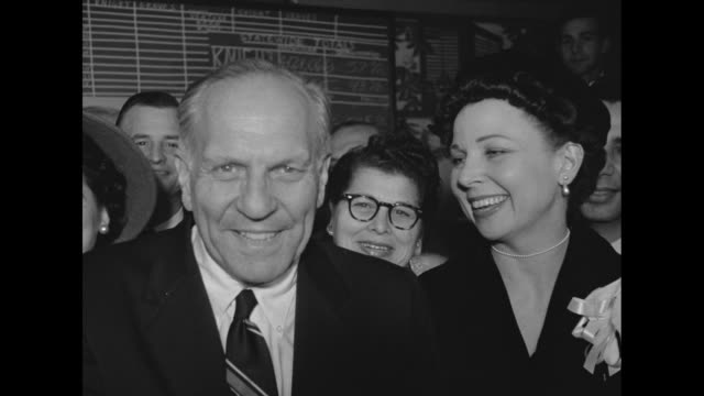 election results on chalk board, large poster photograph of governor goodwin knight / knight surrounded by supporters in front of board happy he is... - betty thomas bildbanksvideor och videomaterial från bakom kulisserna