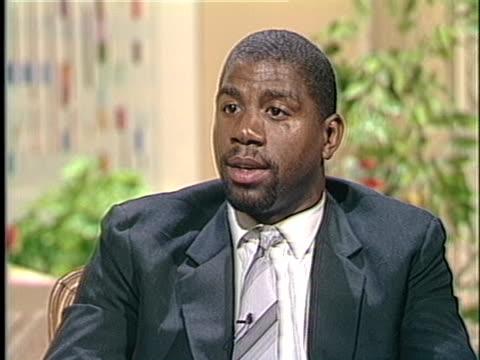 los angeles lakers basketball star magic johnson says he supports drug testing of athletes. - マジック・ジョンソン点の映像素材/bロール