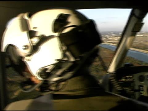 ロサンゼルス:マリーナデルレイ lapd 警察からヘリコプター - 盗み聞き点の映像素材/bロール