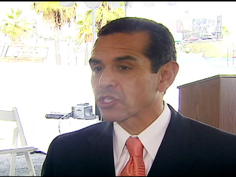 los angeles mayor antonio villaraigosa at the w hollywood press conference at the w hotel in hollywood california on february 12 2007 - antonio villaraigosa stock videos and b-roll footage