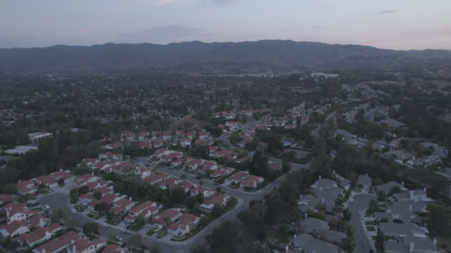 los angeles neighborhood aerial - inquadratura da un aereo video stock e b–roll