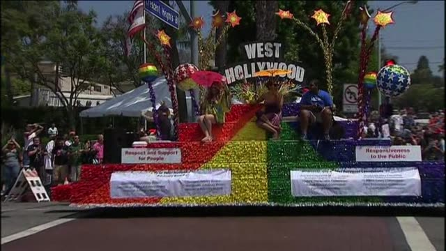 stockvideo's en b-roll-footage met los angeles pride parade on june 09 2013 in west hollywood california - west hollywood