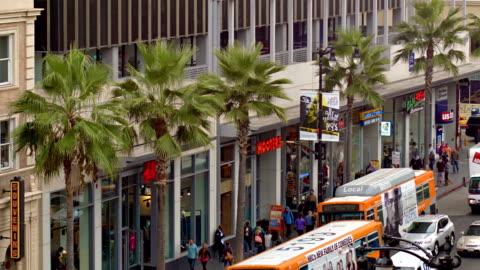 vídeos y material grabado en eventos de stock de edificios de los ángeles desde hollywood boulevard - paseo de la fama