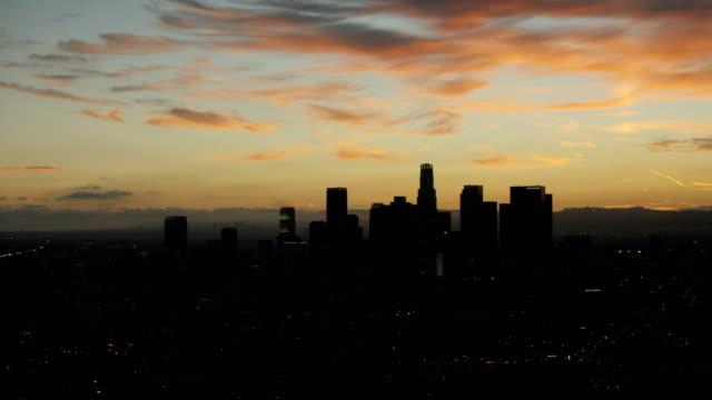 vidéos et rushes de los angeles skyscrapers at twilight - hémisphère nord