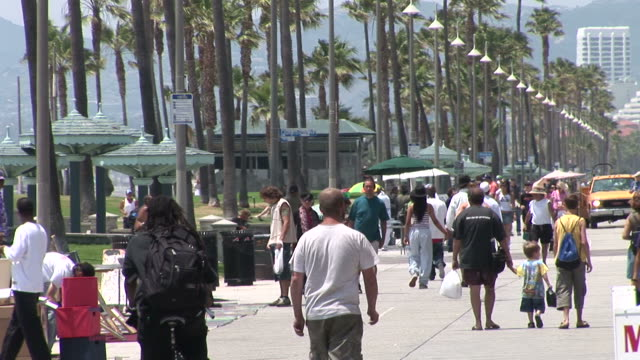 los angelesview of a street in los angeles united states - promenade stock videos & royalty-free footage