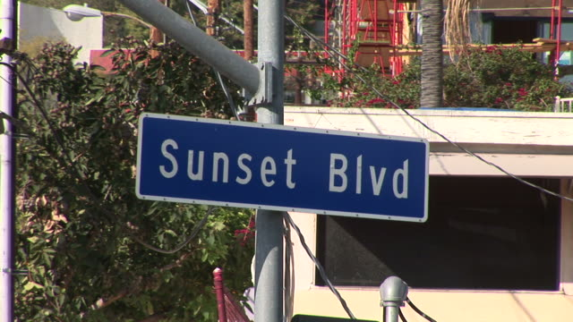 los angelesview of sunset blvd in los angeles united states - sunset boulevard stock-videos und b-roll-filmmaterial