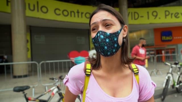 vídeos y material grabado en eventos de stock de los brasileños viven días de fuerte confusión política, debido a las desavenencias entre la mayoría de los gobernadores, favorables a medidas de... - política y gobierno