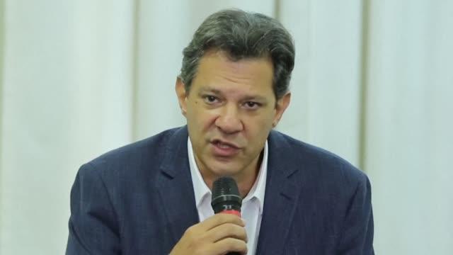 los candidatos a la presidencia de brasil retomaron el lunes su campana electoral para el balotaje presidencial del 28 de octubre tras una primera... - südbrasilien stock-videos und b-roll-filmmaterial