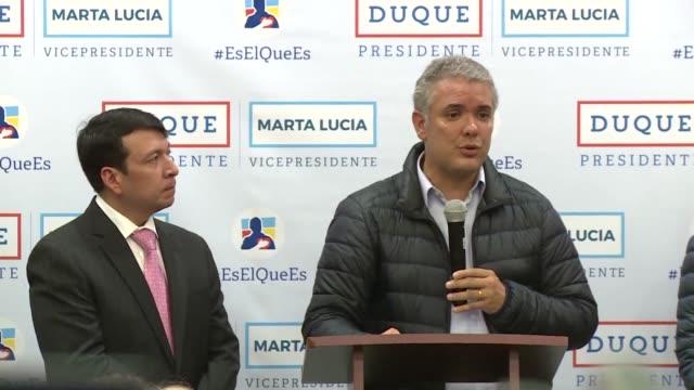Los candidatos presidenciales de Colombia el derechista Ivan Duque y el izquierdista Gustavo Petro en la recta final de la campana a la segunda...