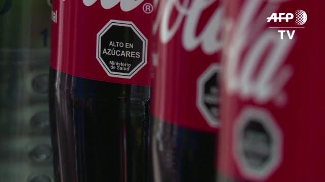 Los chilenos comenzaran a ver advertencias en envases de unos 8000 alimentos poco saludables y olvidarse de golosinas como el Kinder Sorpresa al...